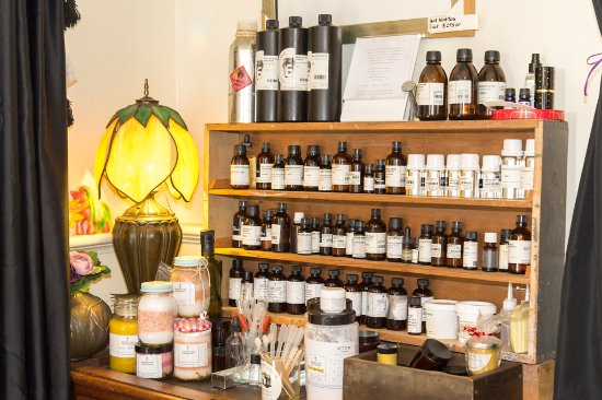 Arrowtown, New Zealand: make your own smells & potions