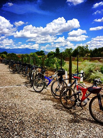 Corrales, Nuevo México: Pasando Tiempo Winery and the Bike and Wine Tour