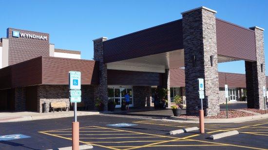 Des Plaines, IL: Hotel Entrance