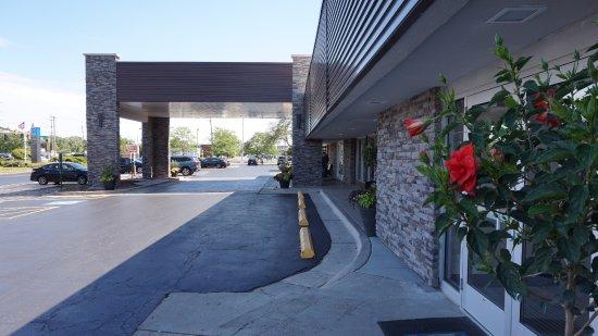 Des Plaines, IL: Hotel Facade