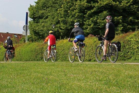 Eutin, Németország: Fahrradtouren, die entschleunigen! Meist auf schattigen, naturbelassenen Radwegen ...