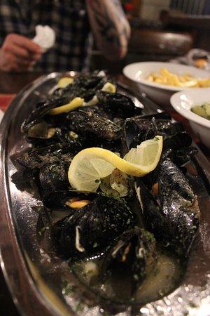 Vinisce, Hırvatistan: Delicious fresh mussels