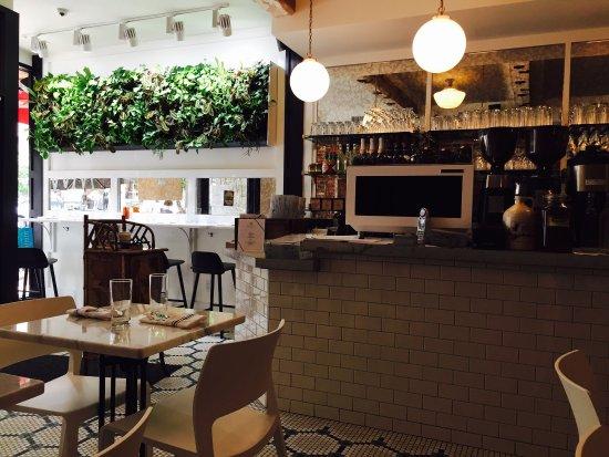 White Maple Cafe: photo1.jpg