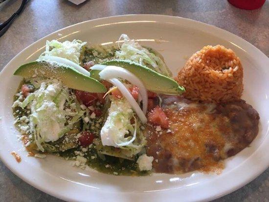 Manahawkin, Nueva Jersey: Enchiladas verdes! Outstanding!