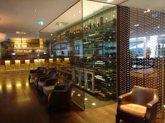 lobbybereich bild von radisson blu media harbour hotel d sseldorf d sseldorf tripadvisor. Black Bedroom Furniture Sets. Home Design Ideas