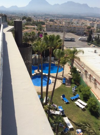 El Albir, Spain: Views from the roof top and the pool area hotel Rober Palas