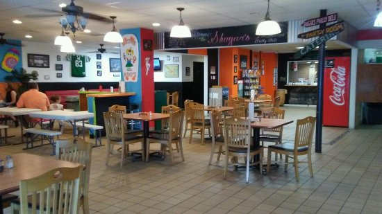New Cumberland, PA: Spacious Inside Dining Options!