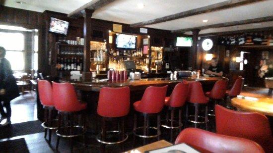 Aurora, นิวยอร์ก: bar