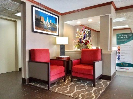 Comfort Inn Festus: Lobby