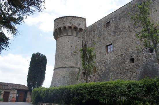 Castello di Meleto: Castle walls