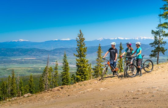 Winter Park, CO: Enjoy a 1.5 hour on this mellow bike tour from summit to base