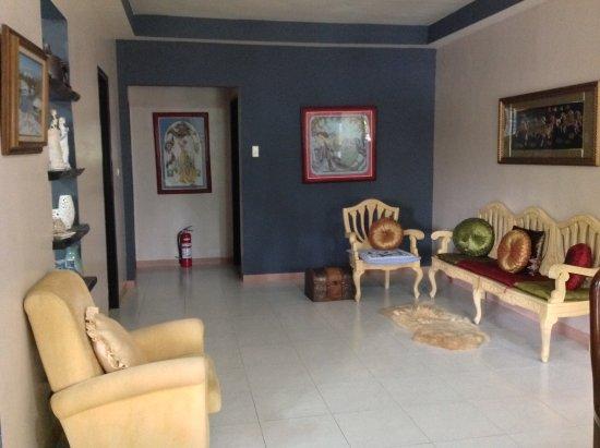 Capas, Philippines: Living room