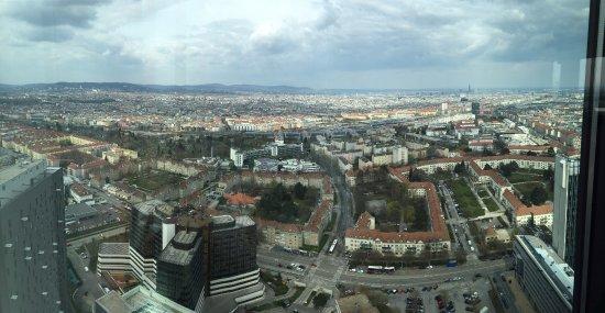 Austria Trend Hotel Bosei Wien: Ausblick aus Wien Twin Tower Businesspark