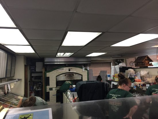 Marion, IN: Brooks Upper Crust Pizza