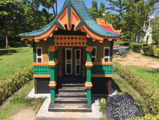 Batam Miniature House