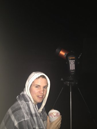West Woodburn, UK: Here is me and my telescope.. the sky is so clear and worth having a hot chocolate for the eveni