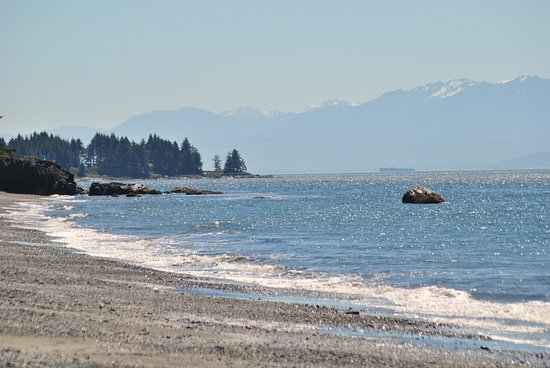 Sooke, Canada: A small haze on the Staits...