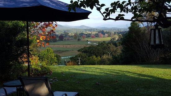 Bellingen, Australia: View from the lounge across the valley