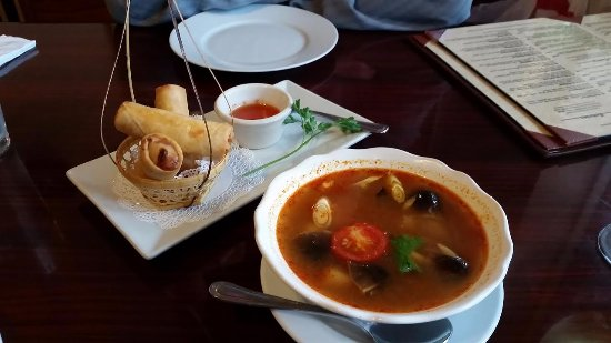 Silver Spring, MD: Spring Rolls and Tom Yum soup