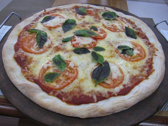 Clark Freeport Zone, Philippines: Great Pizza