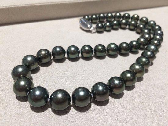 a612f791f Tahitian black pearl necklaces - Picture of Pearl Seiwa, Taito ...