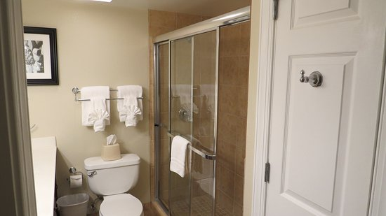 Bluegreen Vacations Patrick Henry Sqr, Ascend Resort Collection: Bathroom 2 directly off the Master Bedroom