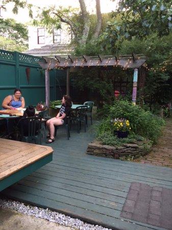 Spiritus: Outdoor seating