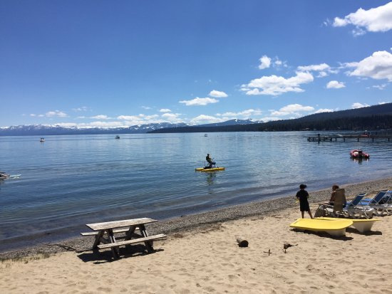 Tahoe Vista, CA: No pool but who needs it when Lake Tahoe is right there!