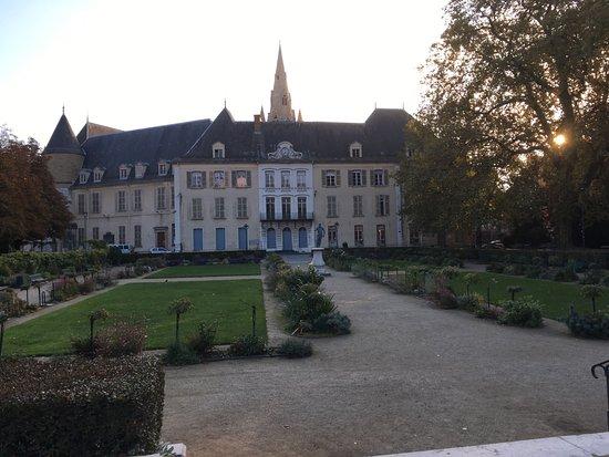 Dsc 0382 picture of jardin de ville grenoble tripadvisor - Creche jardin de ville grenoble ...