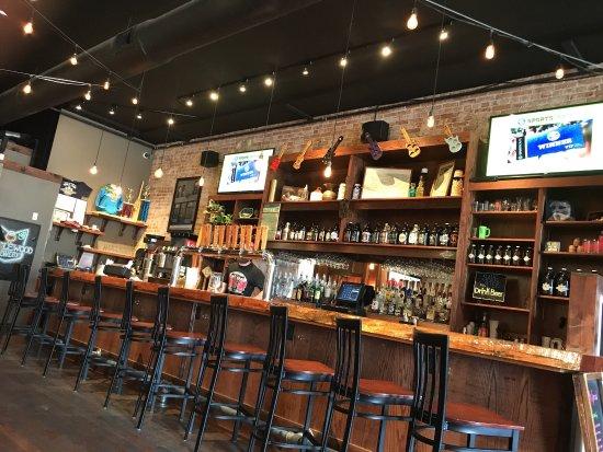 Cape Girardeau, MO: Bar area