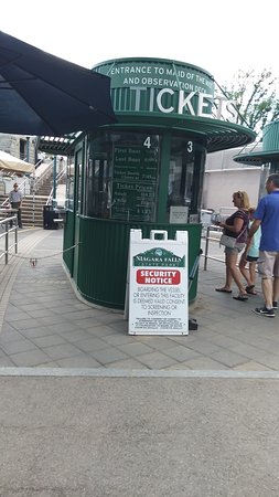 Niagara Falls State Park: Ticket booth