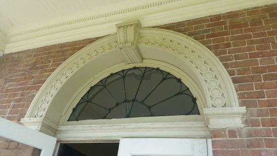 Alexandria, VA: Woodlawn & Pope-Leighey House