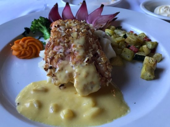 The Restaurant at Convict Lake: Almond Crusted Salmon with Beurre Blanc