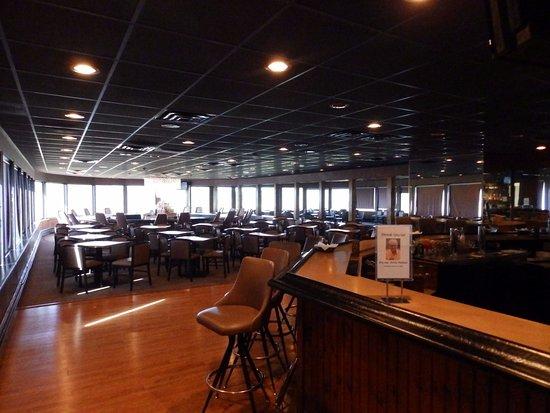 Titusville, بنسيلفانيا: Bar Area