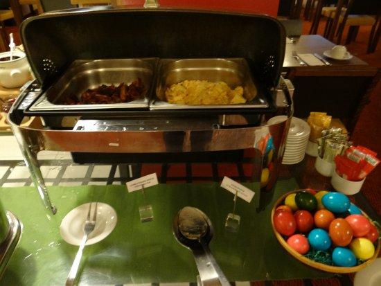 Hotel Alpha: breakfast buffet included