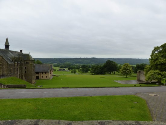 Ampleforth, UK: Views out from the access to the tea rooms, beautiful serene countryside