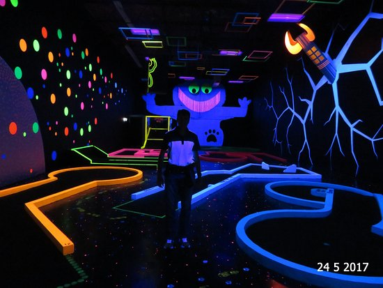 Richmond, Kanada: The black light room