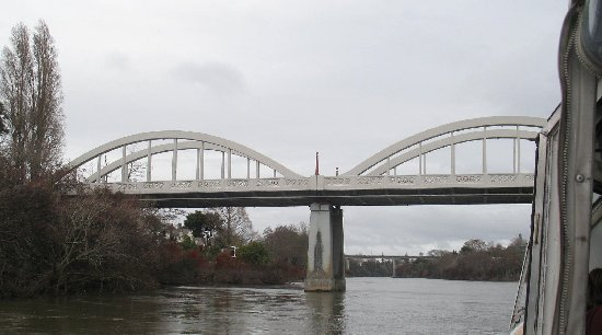 Hamilton, Nova Zelândia: Fairfield Bridge