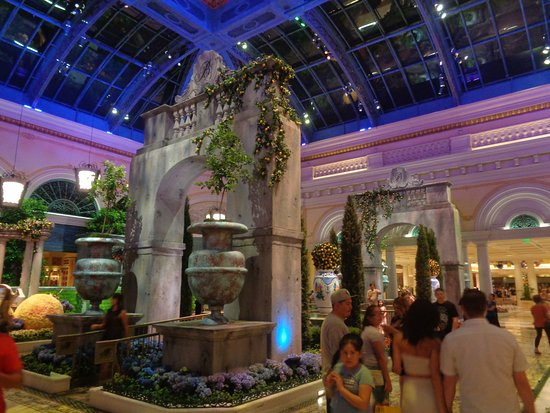Conservatory At Bellagio Summer 2017 Picture Of Bellagio Conservatory Botanical Garden Las