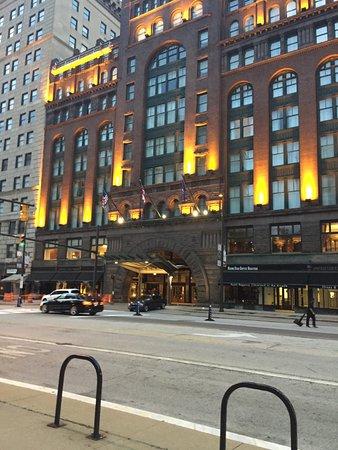 Hyatt Regency Cleveland at The Arcade : Main entrance of Hotel - Valet