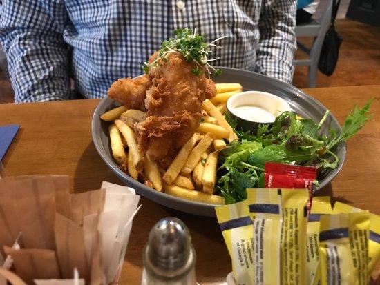 Kinvara, Irland: fish and chips