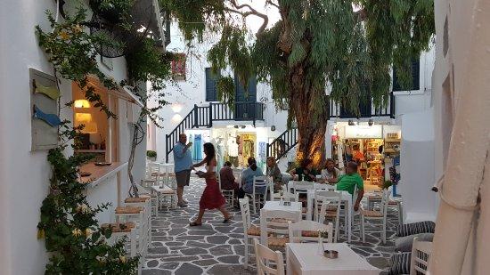 Naoussa, Grecia: 20170623_203633_large.jpg