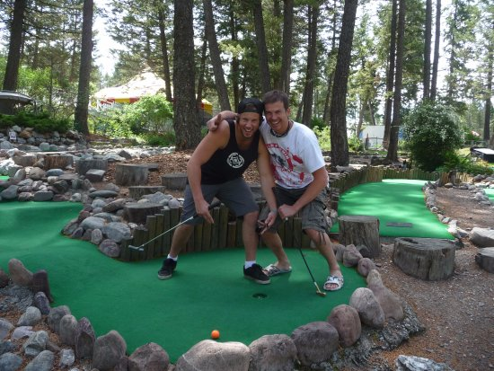 Fairmont Hot Springs, Canada: Brothers golfing....