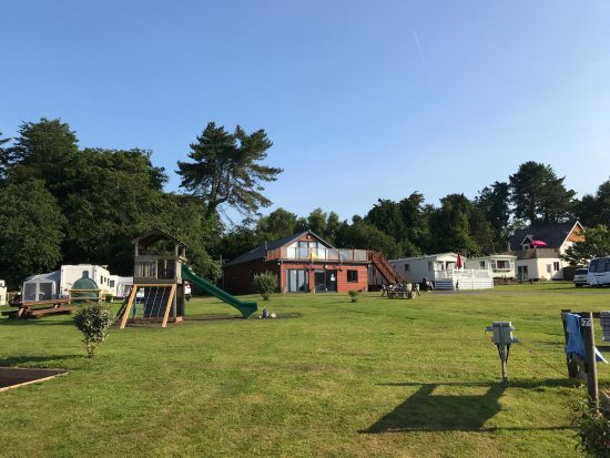 Budleigh Salterton, UK: Immaculate site with a good play area