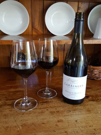 Carriages Boutique Hotel & Vineyard: My new favourite Shiraz available only from Carriages