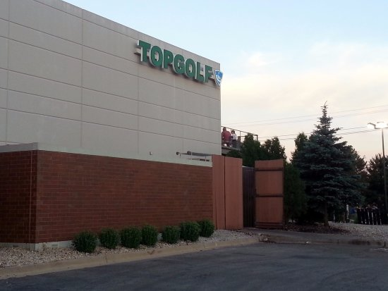 Wood Dale, IL: front of Top Golf