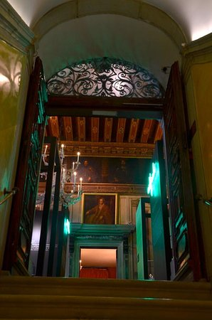 Palazzo Mocenigo: entrance to museum