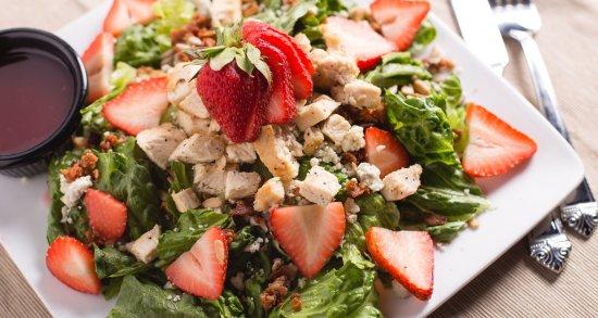 Frisco, TX: Woody's Strawberry Salad