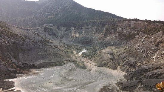 Tangkuban Perahu: Pemandangan Kawah Gunung