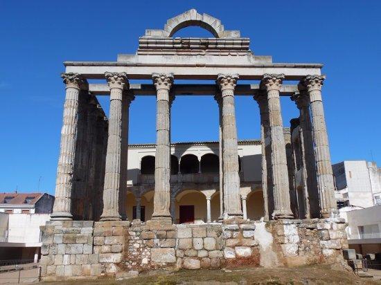 Templo de Diana: vue de face